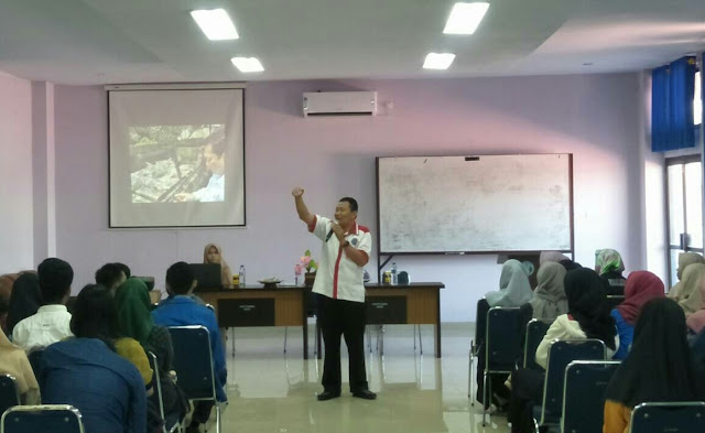 Peringati Hari Anti Narkotika Internasional UKM GANK Gelar Workshop