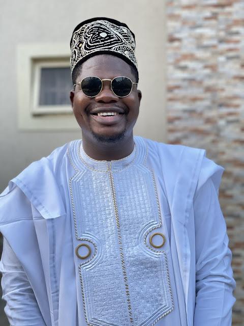 April Fool Prank! Social Media Users Finally React As Mr Macaroni Changes His Agbada