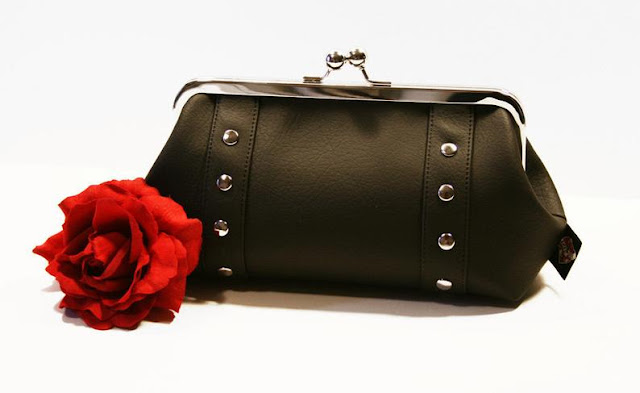 Holdfast Hanbags: A Bag To Match The Inner Pinup In You