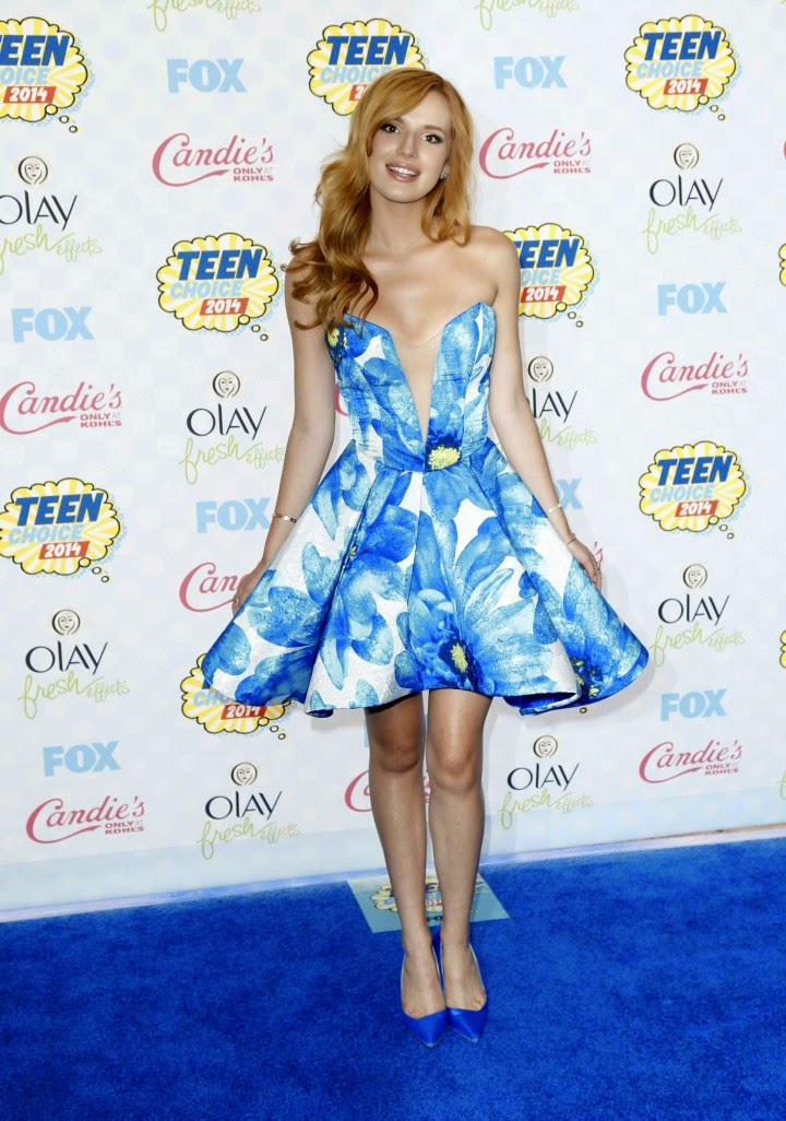 Bella Thorne is sultry in a Candies dress at the 2014 Teen Choice Awards