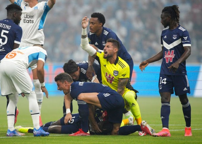Nigeria Winger Samuel Kalu Collapses on the Pitch in Ligue 1 Game Between Bordeaux and Marseille #Momusicdate
