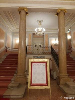 Il Foyer e lo Scalone d'Onore del Teatro la Fenice di Venezia