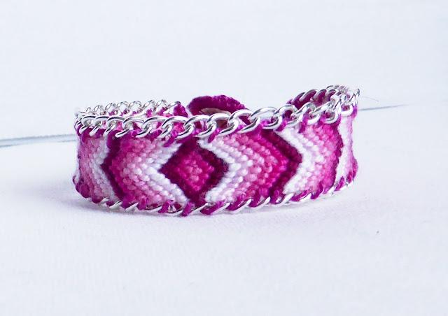bracelet brésilien rose avec perles