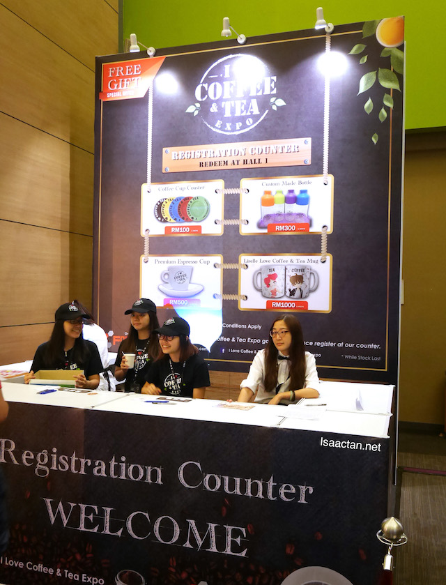 Register yourselves for free gifts before checking out the various booths at the I Love Coffee & Tea Expo