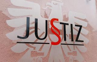 تأجيل قضايا الطلاق و اللجوء في المحاكم النمساوية