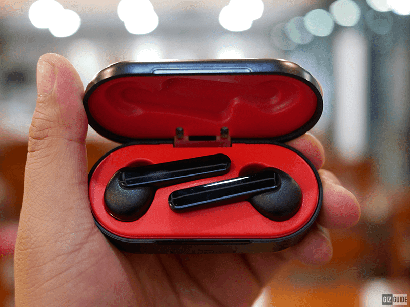 Meet Rock Space EB70 - Bassy heavy TWS earphones under PHP 4K