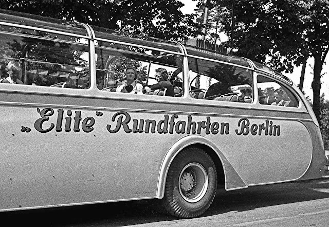 a 1938 sightseeing bus Germany