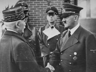 http://1.bp.blogspot.com/-I0OG8Of2kIQ/UcrKRU2yWxI/AAAAAAAAADY/8WugDo6XYhM/s320/hitler_masonic_handshake_5.jpg