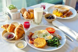 Makan 1 Jam Setelah Bangun Tidur Adalah Cara Untuk Diet Alami