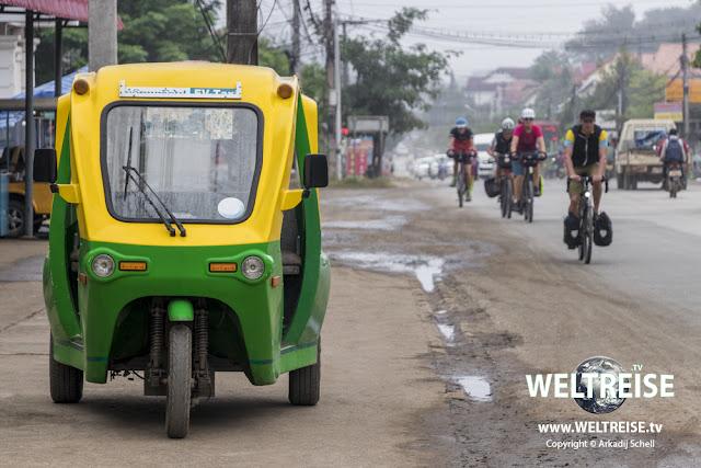 E-Tuk Tuk in Luang Prabang, Laos. www.WELTREISE.tv