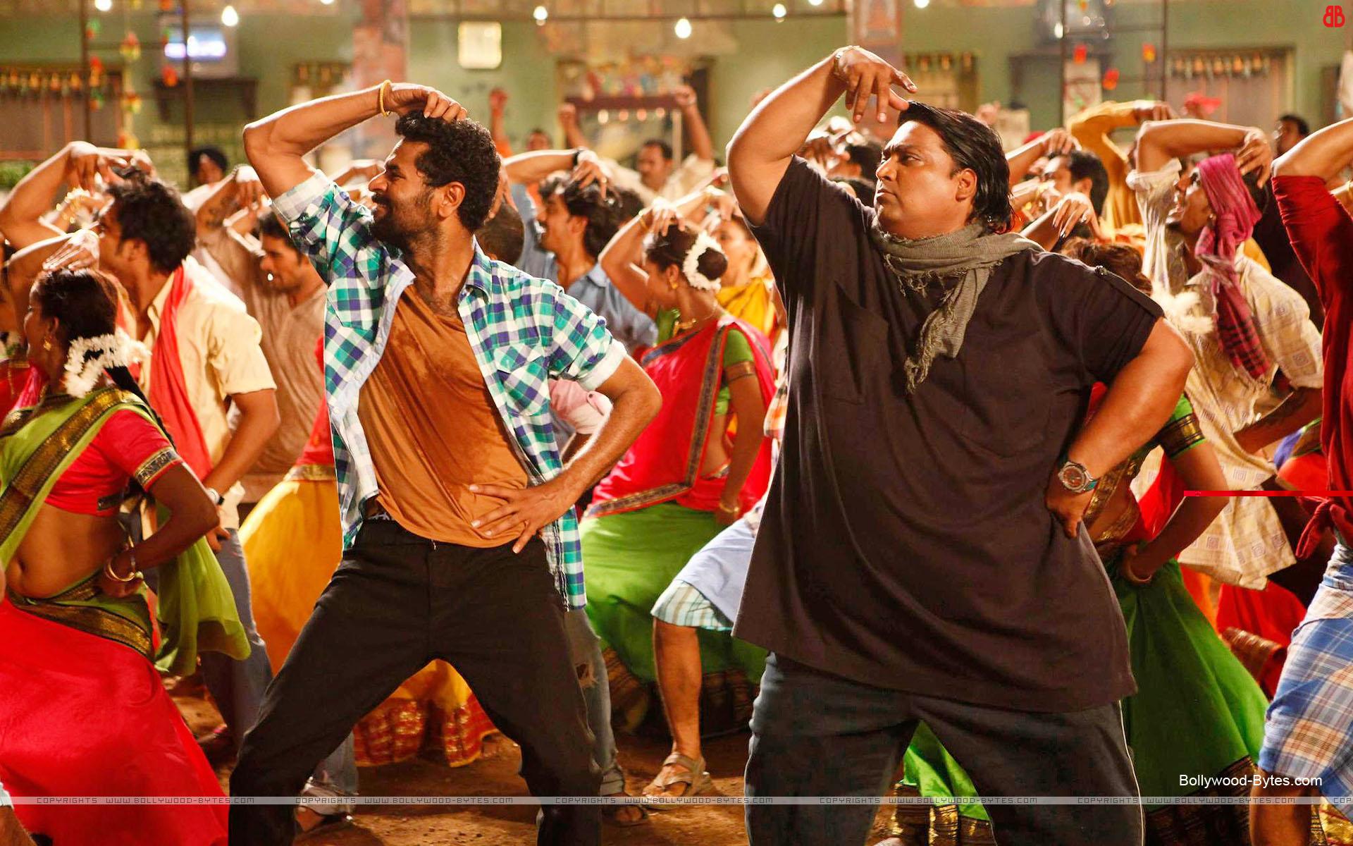 https://1.bp.blogspot.com/-I0QT36j6GWI/UP-lGj_lWPI/AAAAAAAAZlM/ykN9jRyJWYI/s1920/ABCD-Any-Body-Can-Dance-++Prabhudeva-Ganesh-Acharya-HD-Wallpaper-08.jpg