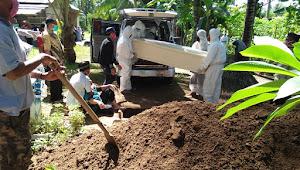 Pemakaman PDP Di Tolinggula Ulu Berjalan Lancar