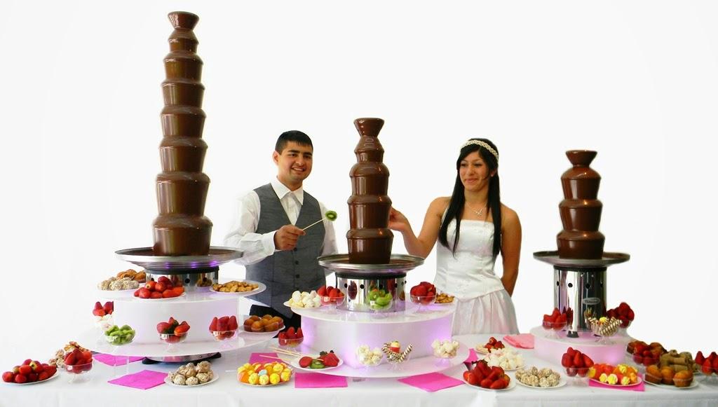 tres modelo de cascada de chocolate