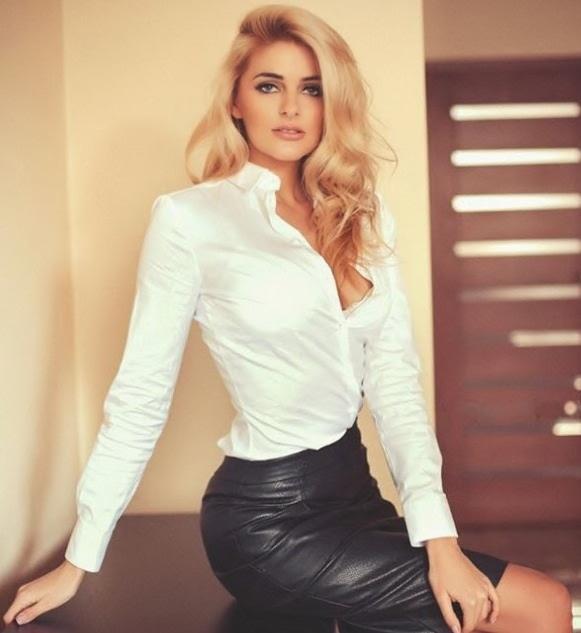 Blonde wearing tight sexy shorts 2 bum closeup