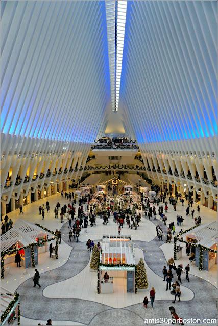 Interior de The Oculus en el World Trade Center de Nueva York