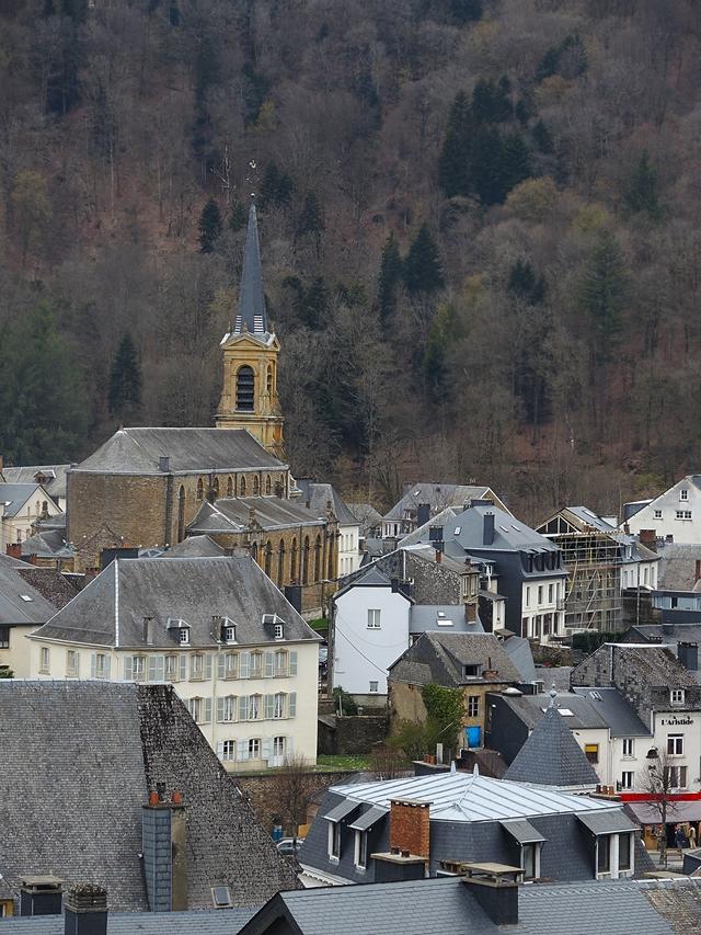 Bouillon: van bovenuit bekeken...
