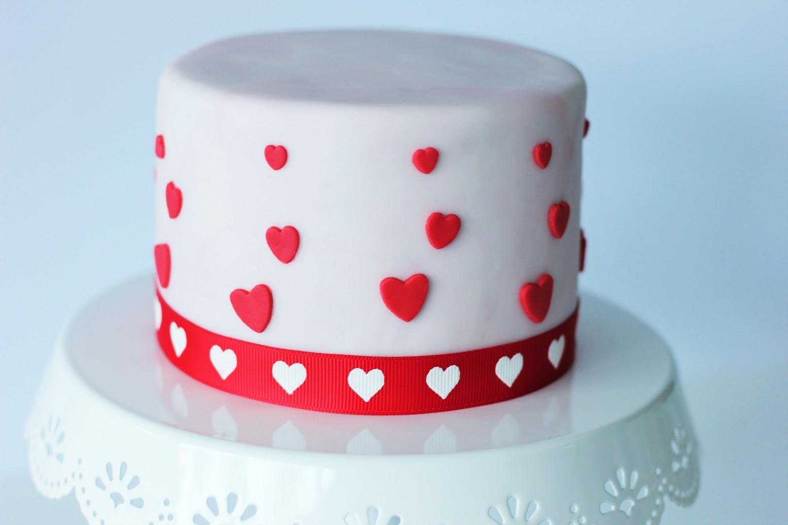 valentinstag torte fondant beliebte rezepte von urlaub kuchen foto blog. Black Bedroom Furniture Sets. Home Design Ideas