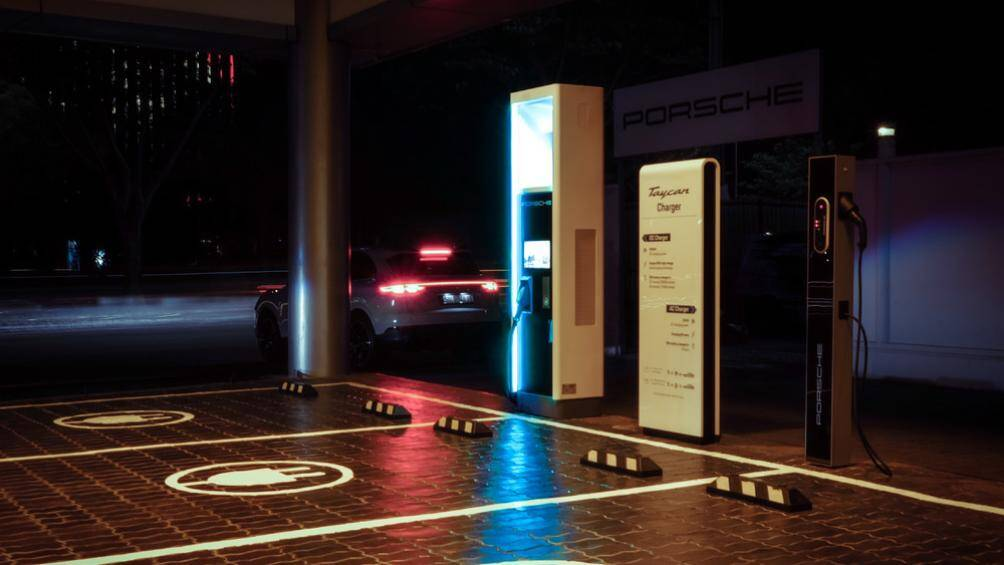 Trạm sạc công suất cao đầu tiên cho xe thể thao Porsche tại Việt Nam