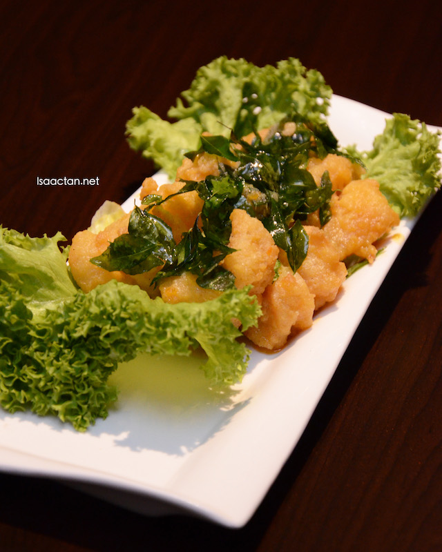 Stir Fried Prawns with Salted Egg Yolk (RM 33.90)