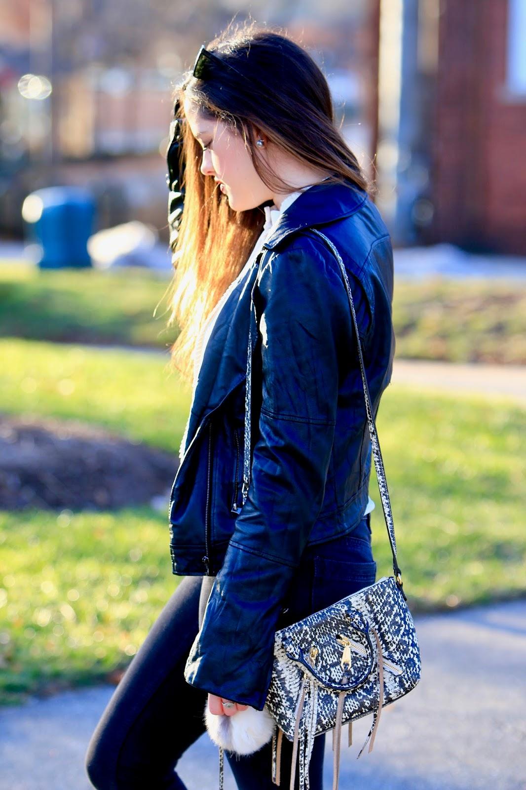 fashion blogger snakeskin bag