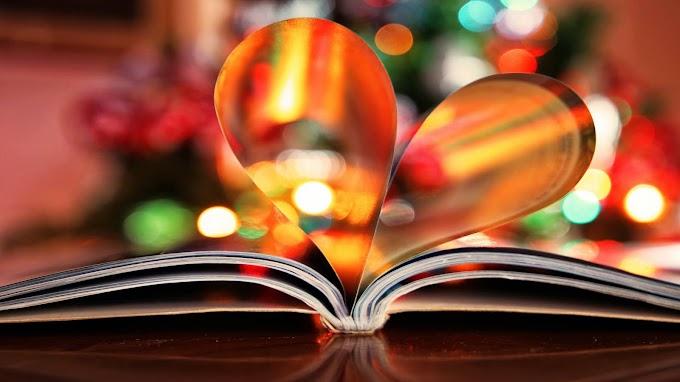 Plano de Fundo Livro com Páginas de Amor