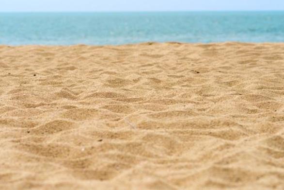 Μπάνια πως θα κάνουμε φέτος; - Είναι επικίνδυνη η άμμος; - Μεταδίδεται ο ιός στη θάλασσα;