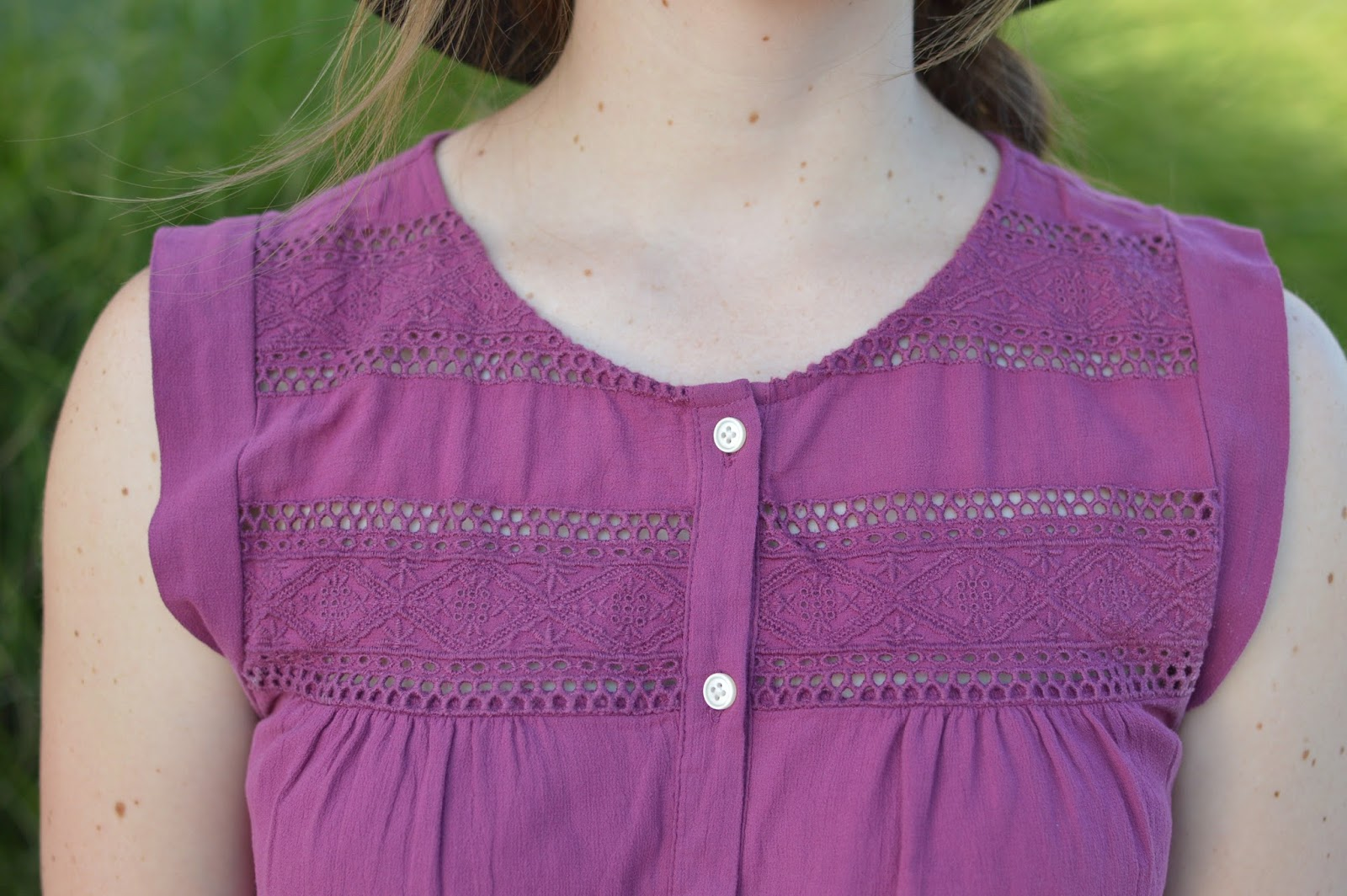 burgundy lace romper from loft | a memory of us | kansas city fashion blog | cute rompers for summer
