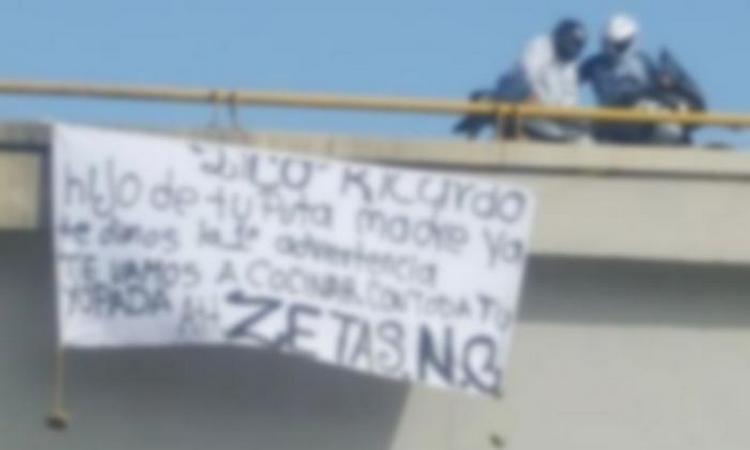"""Sicarios """"Zetas NG"""" cuelgan amenaza en narcomantas en Oaxaca."""