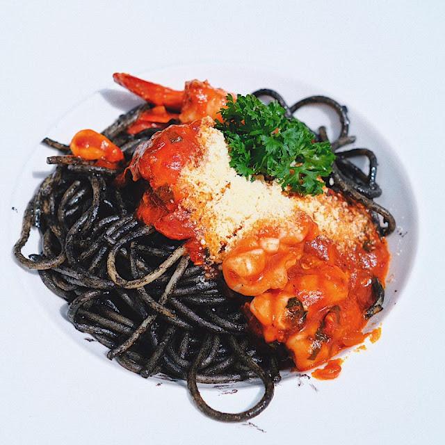 Spicy Spaghetti Seafood Nero