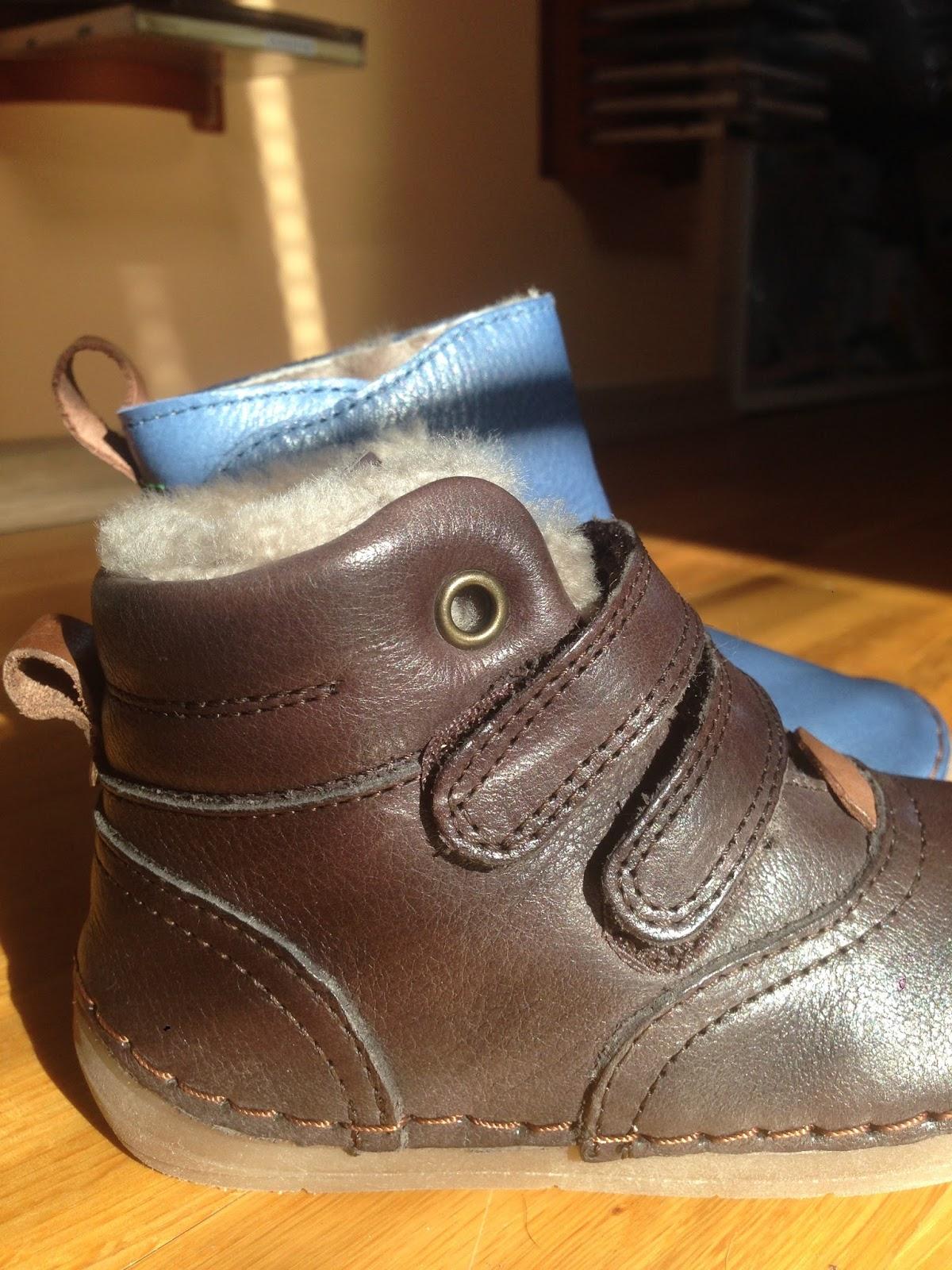 Boty na suchý zip na straně jsou vyšší f4a91cfcc4