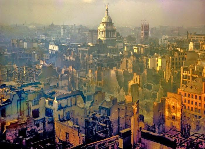 Londres después de los bombardeos de 1940