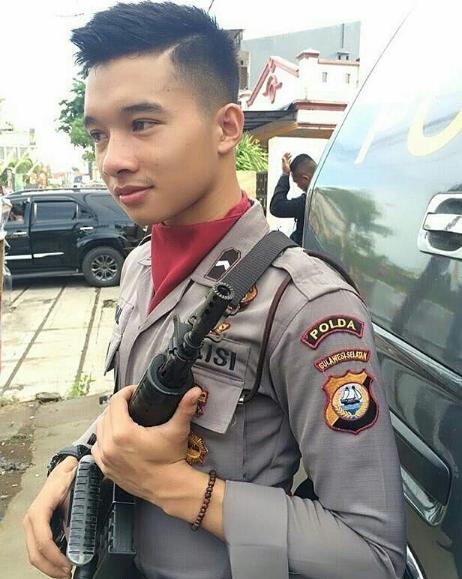 Koleksi Foto Polisi Ganteng Keren Indonesia