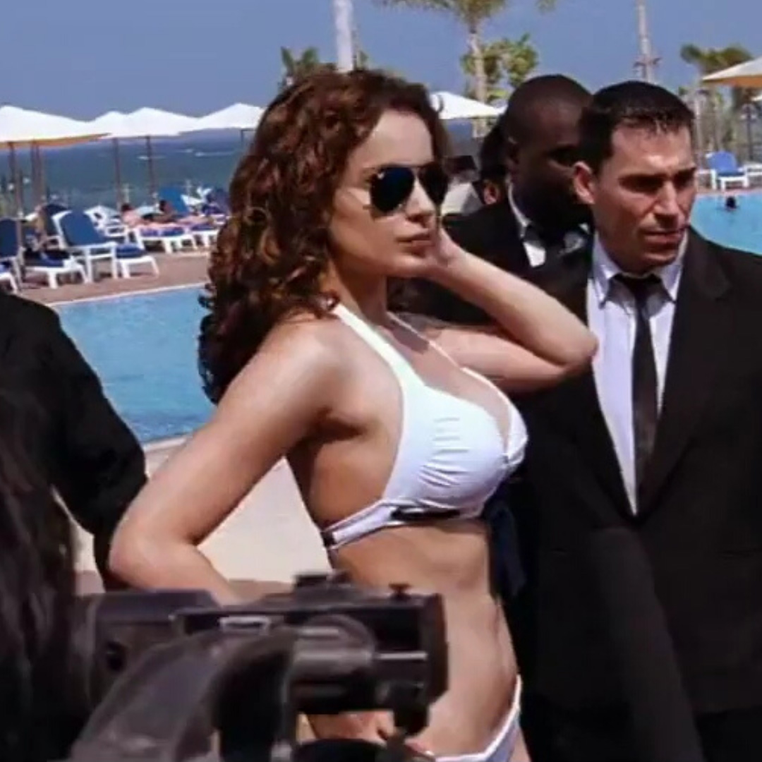 kangana ranaut posing side ways in white bikini