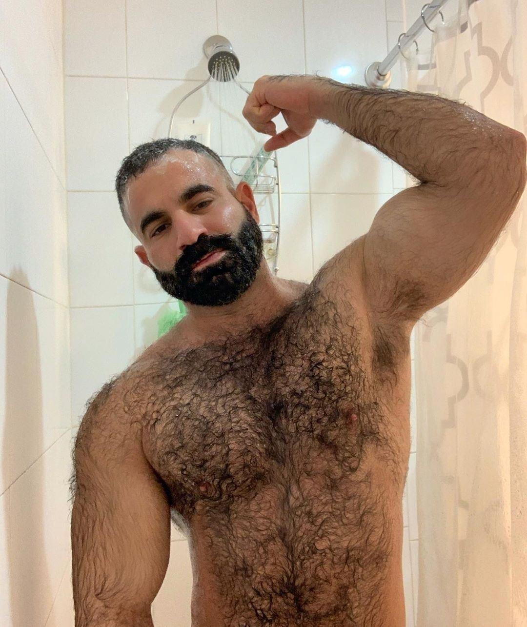 médico en la ducha