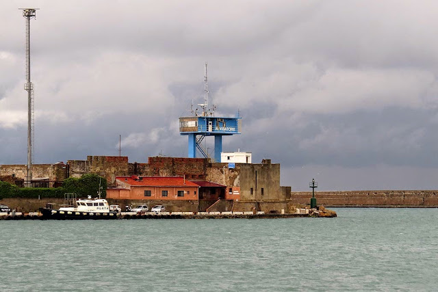 Tower of the Maritime Warnings service, torre dell'Avvisatore Marittimo, port of Livorno