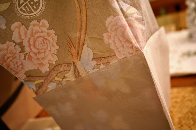 How to remove second ply from paper napkins