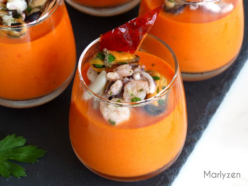Crèmes de poivron rouge aux fruits de mer