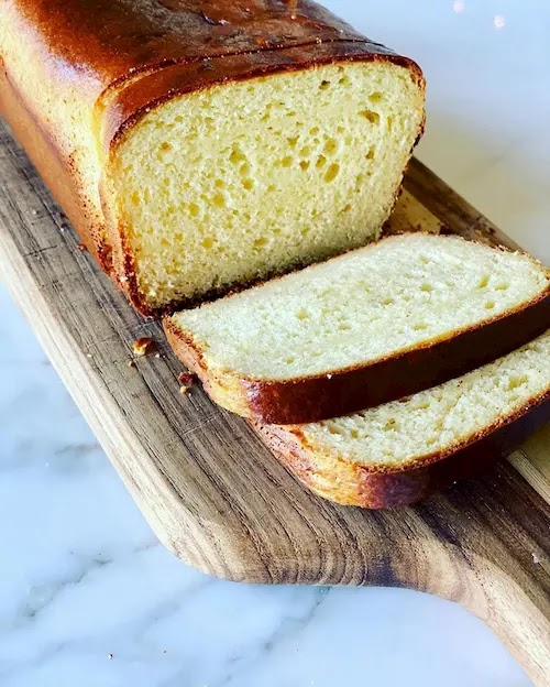 SWEET KETO AND LOW CARB BREAD
