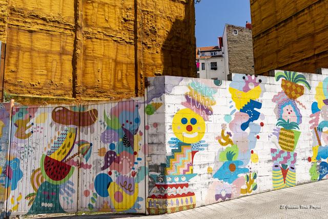 Mural en Zabala 9, por Zosen y Mina Hamada - Bilbao, por El Guisante Verde Project