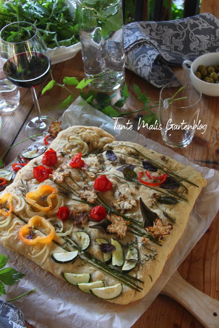 Focaccia mit Gemüsebelag