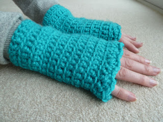 easy crochet gloves