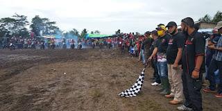 Gelar Sesi Latihan, Puluhan Pembalap Grasstrack Taklukan Sirkuit Mulyajaya
