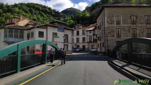 Puente en Belmonte sobre el Pigüeña