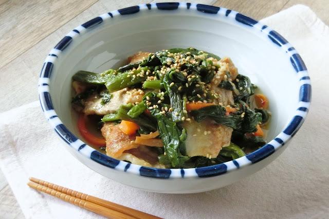 この食べ方は本当においしい!つるむらさきと豚肉の辛みそ炒め