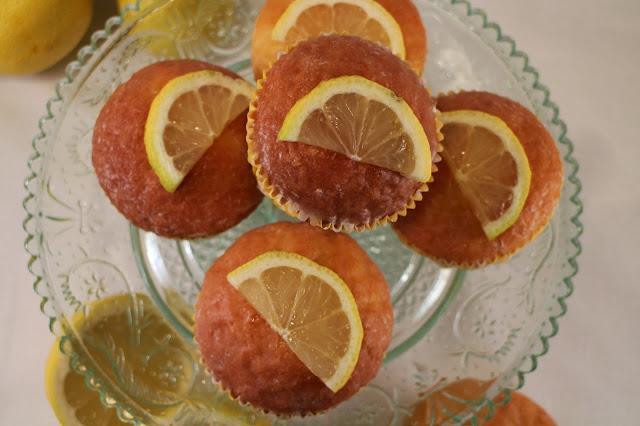 lemon-yogur-cupcakes, lemon-glazed, cupcakes-de-yogur-de-limon
