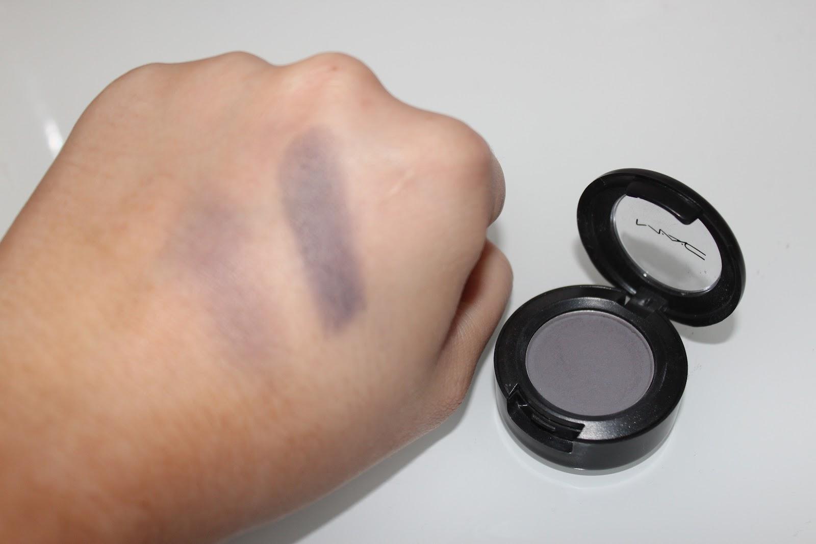 *Sophia x*: Review: Mac Scene Eyeshadow
