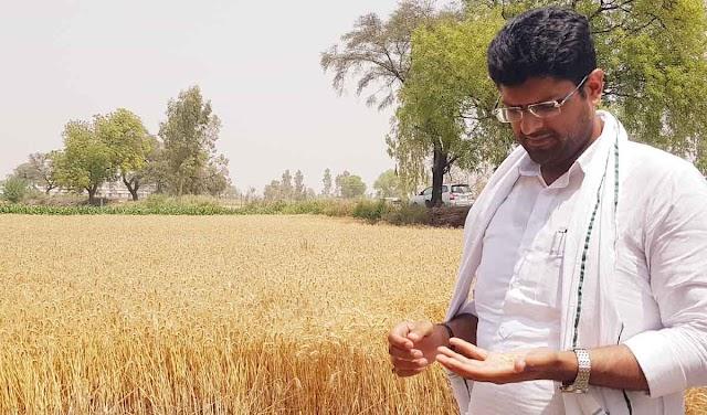 किसानों से मोबाइल के जरिए रूबरू हुए डिप्टी सीएम दुष्यंत चौटाला