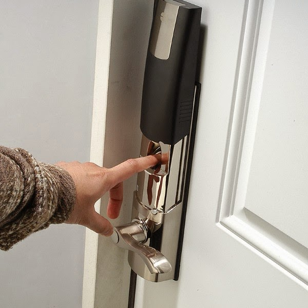Innovative And Smart Door Locks (11) 5