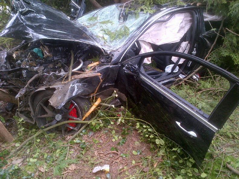 Mercedes-Crash-6.jpg