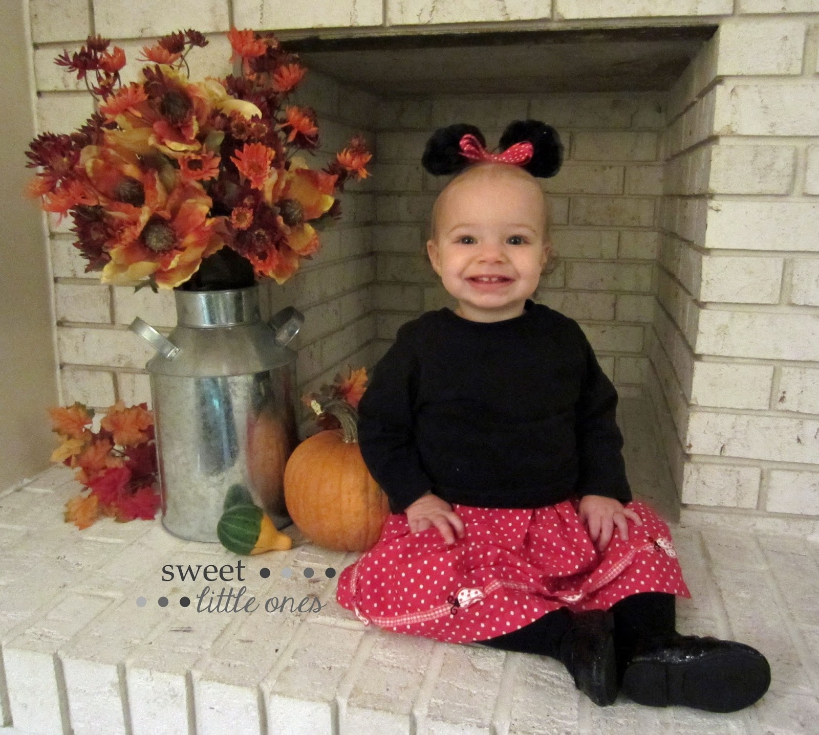 DIY Halloween Costumes for Kids and Toddlers - Minnie Mouse - www.sweetlittleonesblog.com